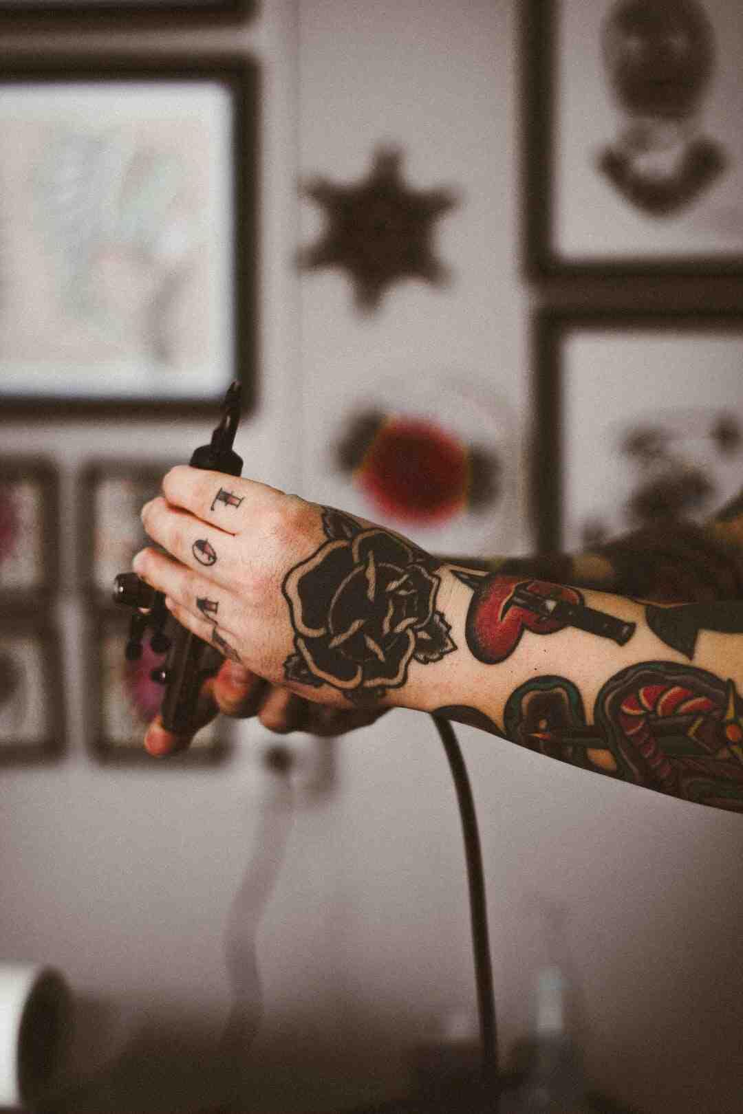 Como fazer para cobrir uma tatuagem?