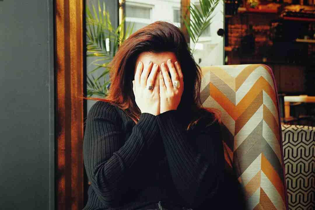 O que é bom para dor de cabeça forte caseiro?