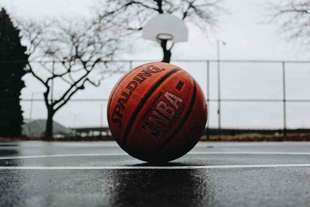 O que que é arremesso no basquete?