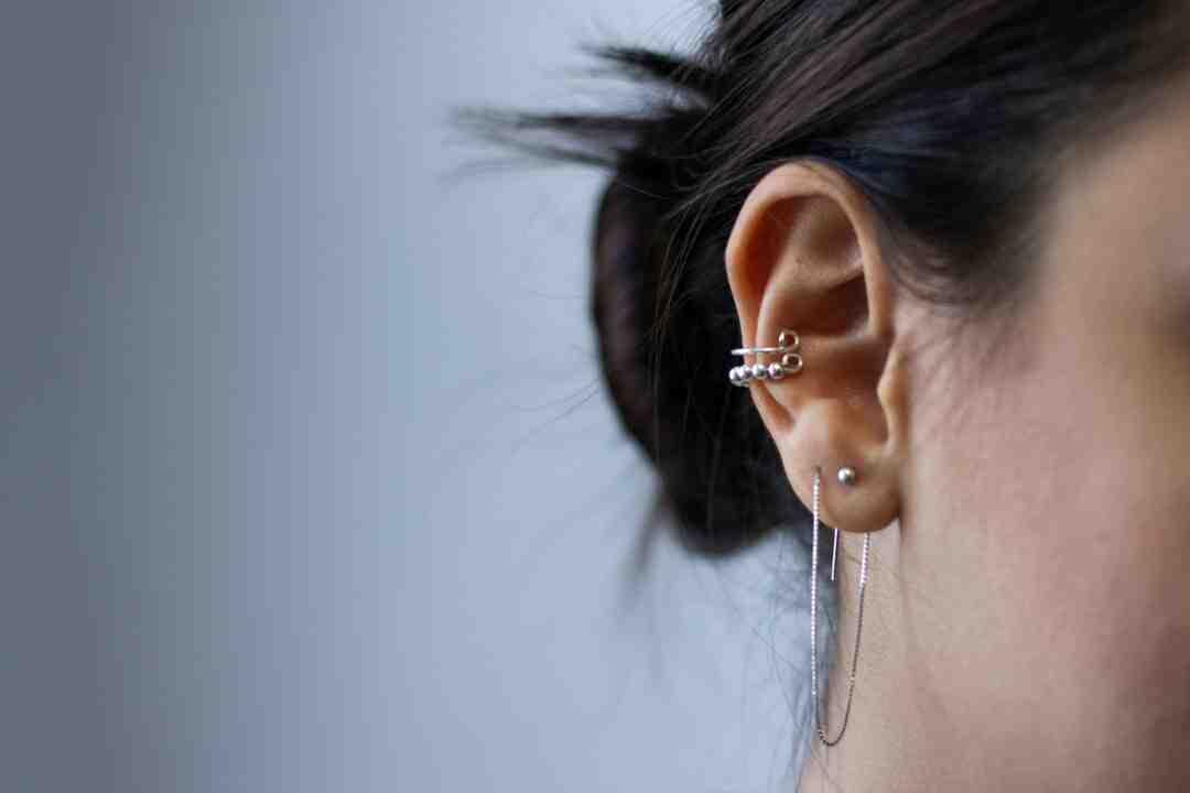 Como não sentir dor na hora de furar a orelha?