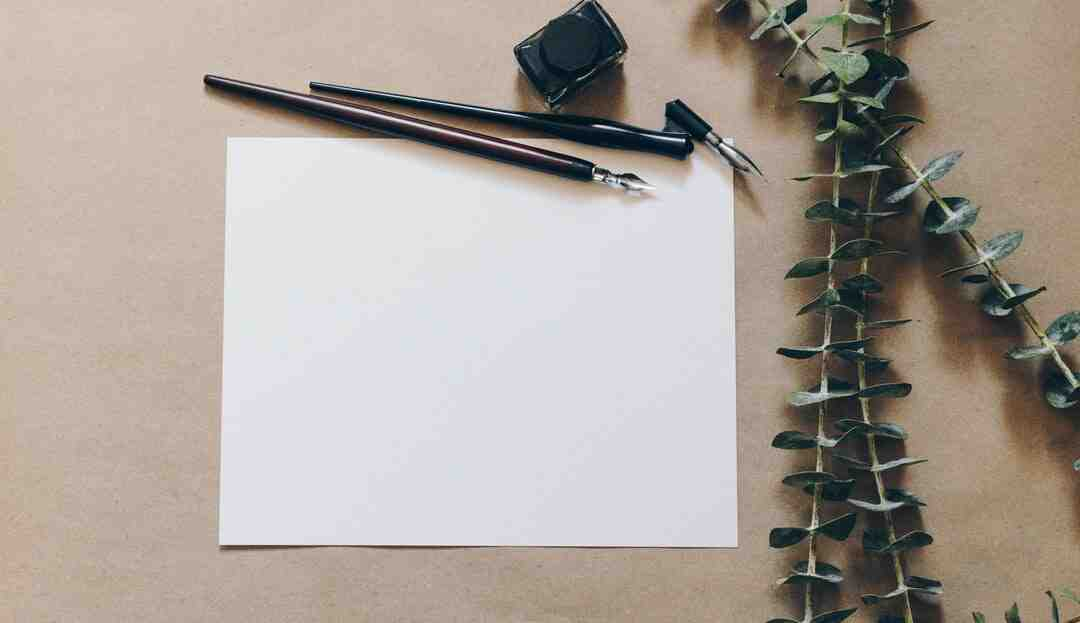 O que é bom para tirar mancha de caneta de roupa?