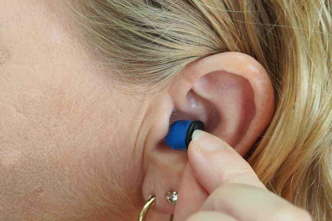 O que fazer para não inflamar a orelha com brinco?