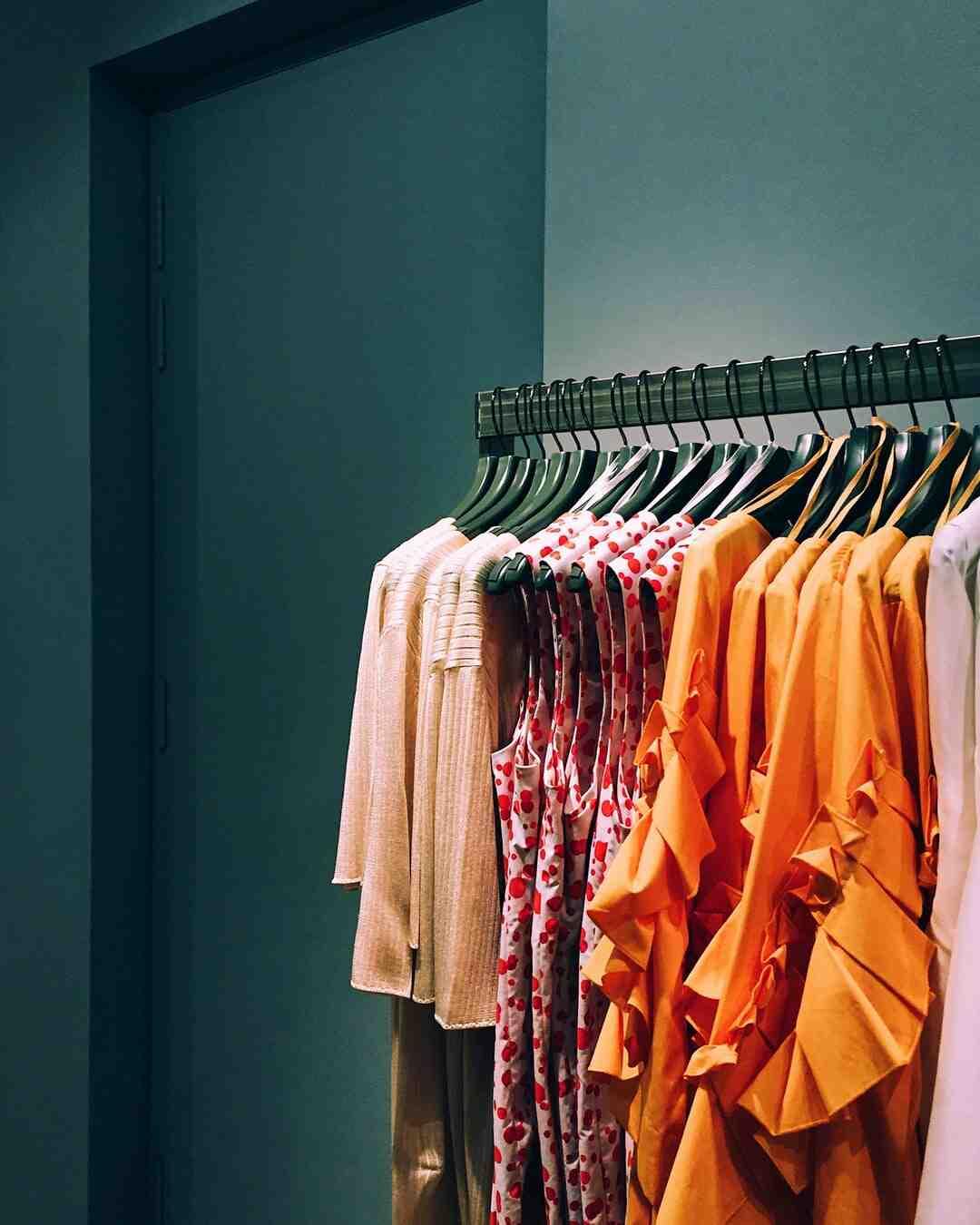 Qual a porcentagem de lucro de uma loja de roupas?