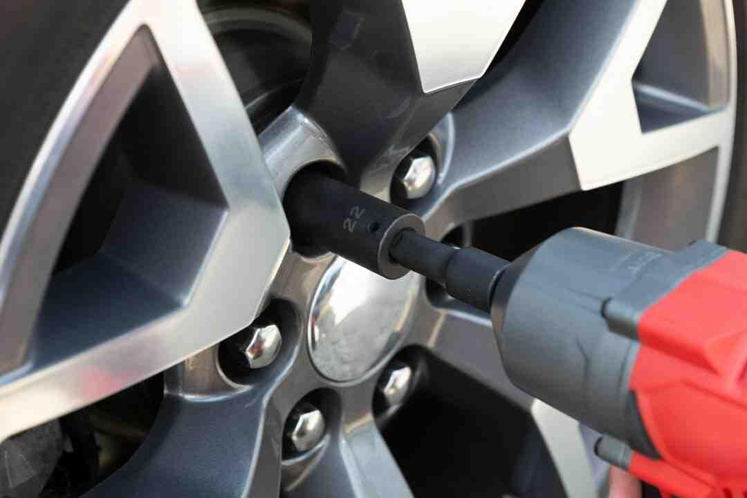 Qual o torque do parafuso da roda?